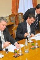potpis-ugovora-geo